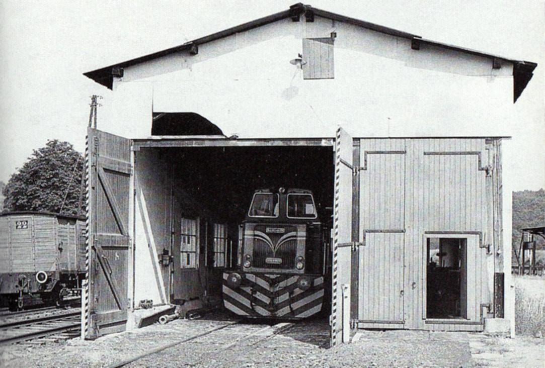 Lok 19 in der ehemaligen Umladehalle, die zur Diesellokwerkstatt hergerichtet wurde