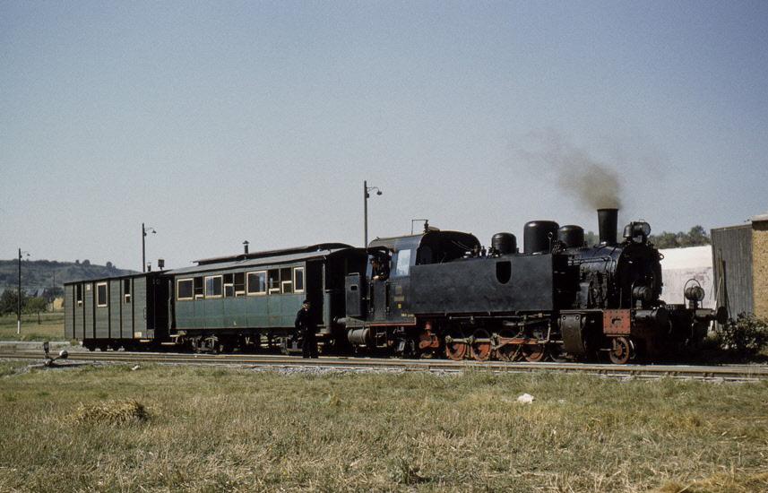 Wagen 4 und Wagen 19 auf Sonderfahrt mit engl. Eisenbahnfreunden vor Dehrn
