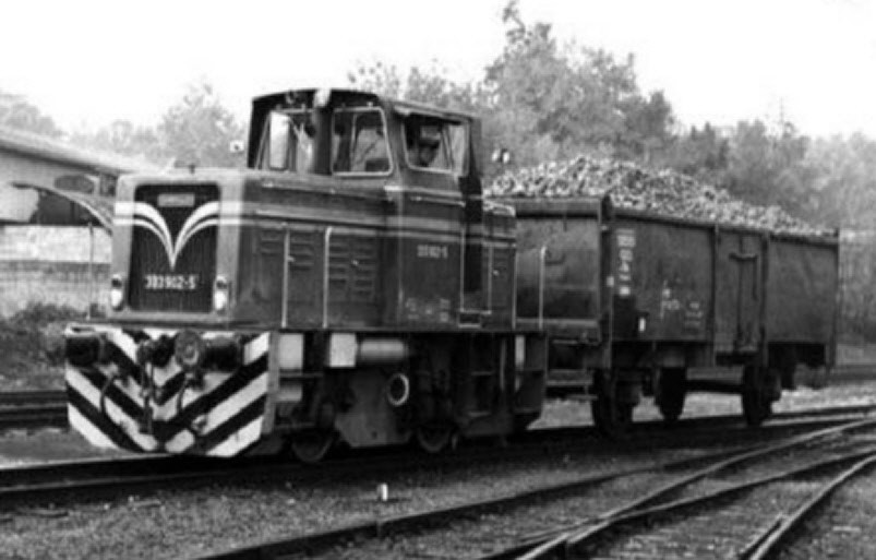 Hier Lok 19 als 333 902-5 schon unter DB Regie in Kerkerbach