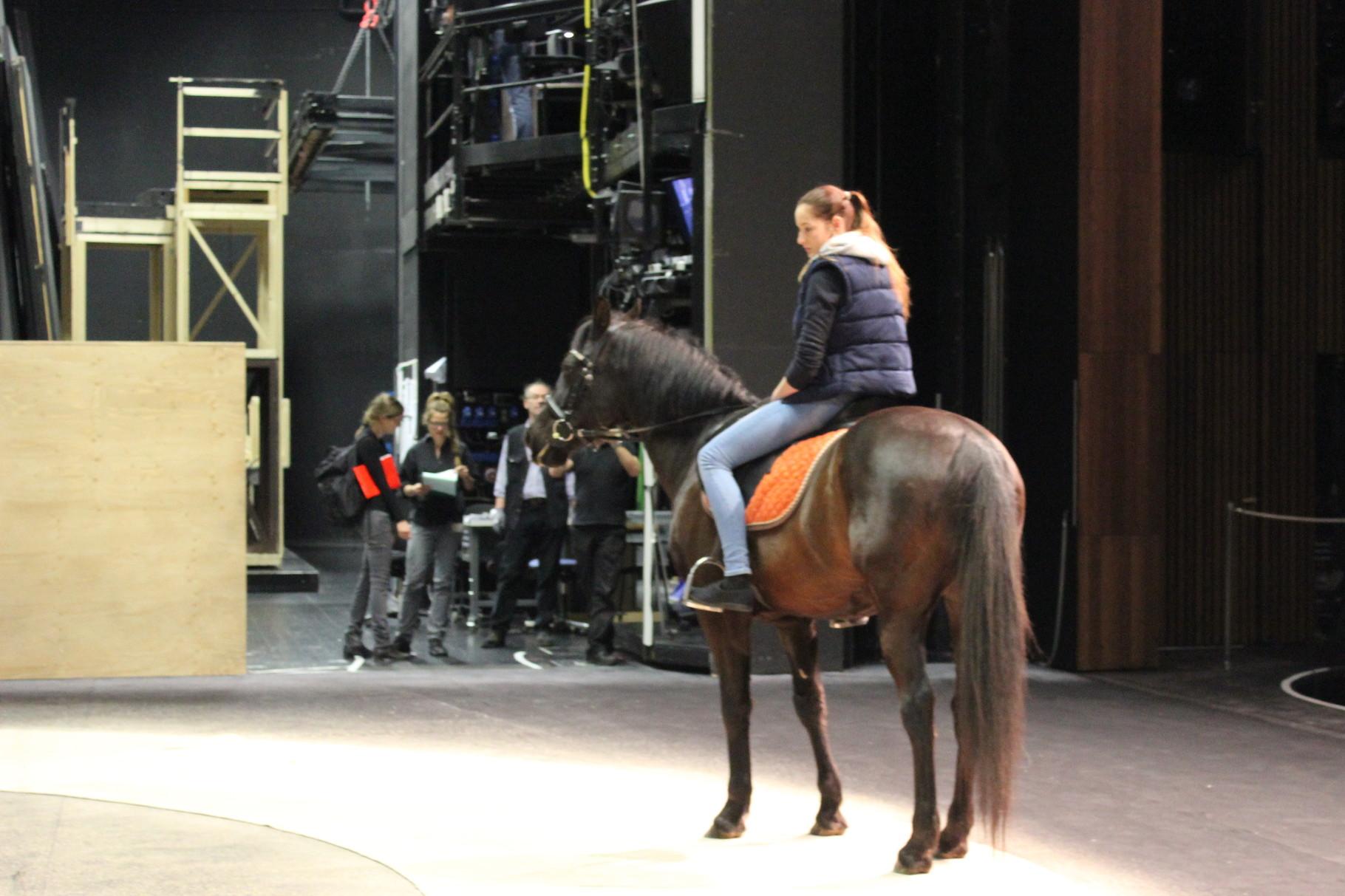 Theaterprobe mit Pferd für die Walküre