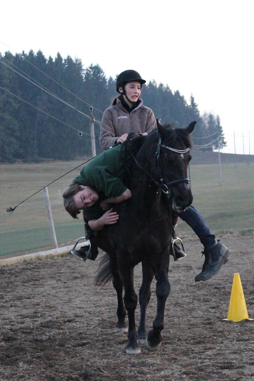 Paddy wirkt als Stuntman in der Walküre mit