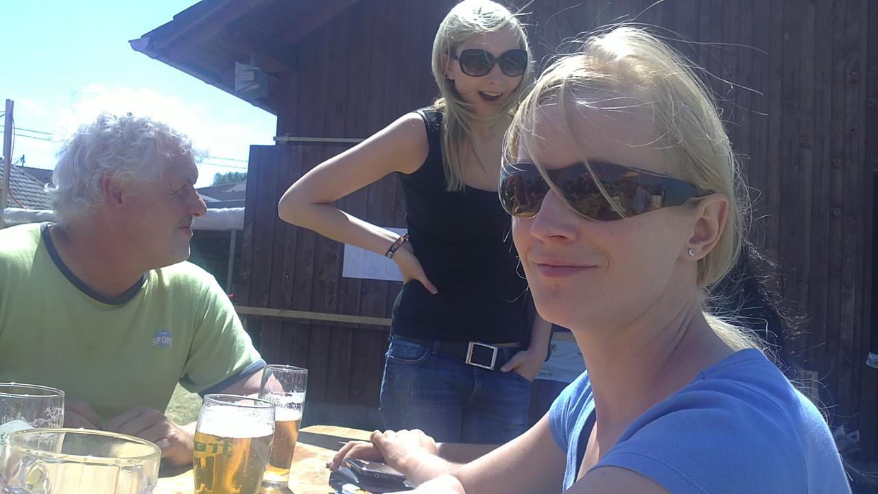 Wohlverdientes Bier zur Mittagsrast