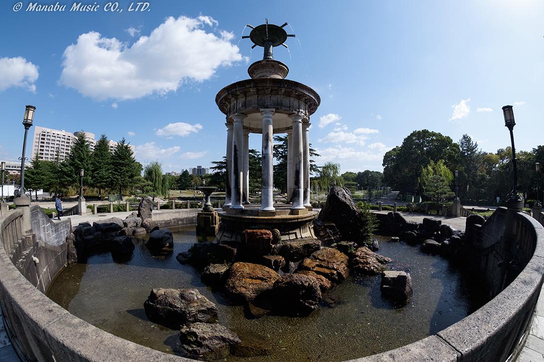 鶴舞公園の「噴水塔」 X-E2 Samyang 8mm F2.8