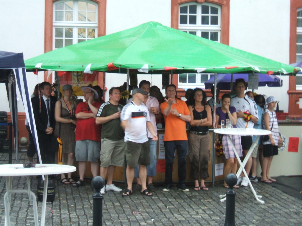 Public Viewing im Regen