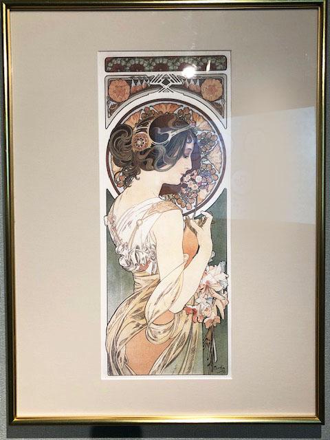 ミュシャ全盛期大作の一つ(桜草 1899年)、緻密な髪飾りはチェコのスラブ民族の象徴だそう。 とにかく解説の至るところに〝祖国チェコへの想い〟など書かれていました。