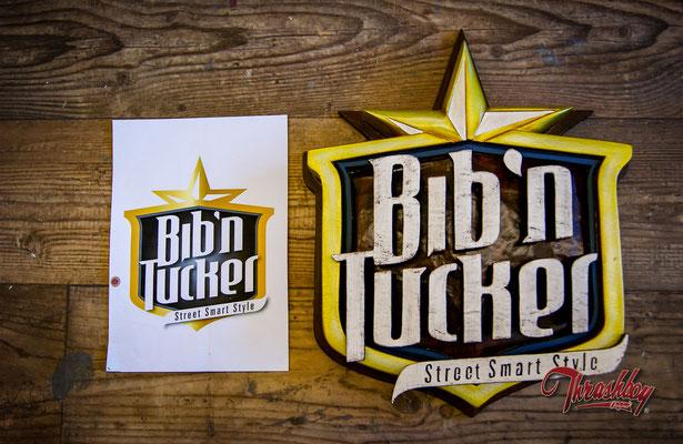 Bib'n'Tucker Logo Schild 3D Geschnitzt, Bib'n'Tucker Eindhoven, Netherlands