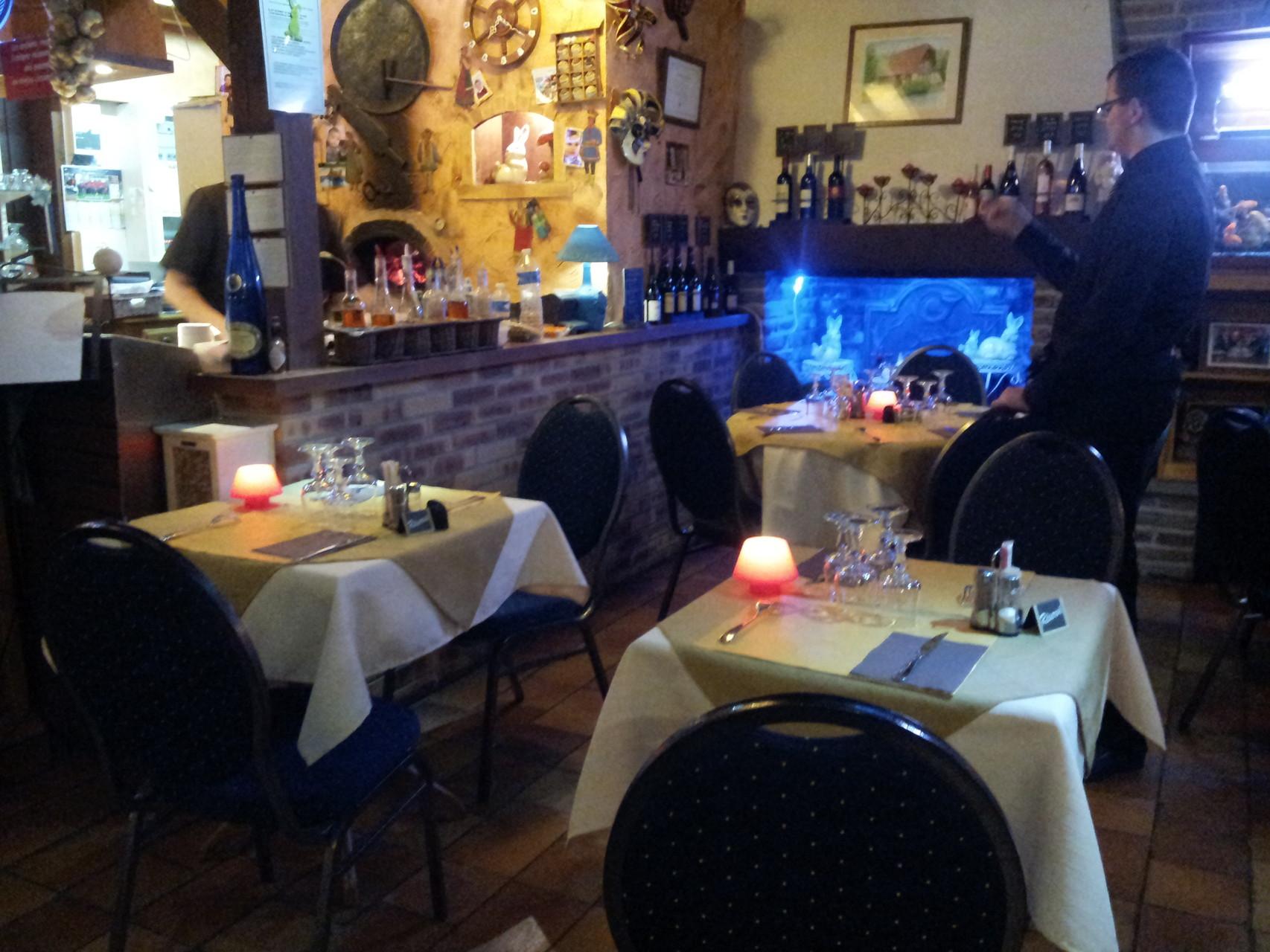 salle et tables déco d'hiver
