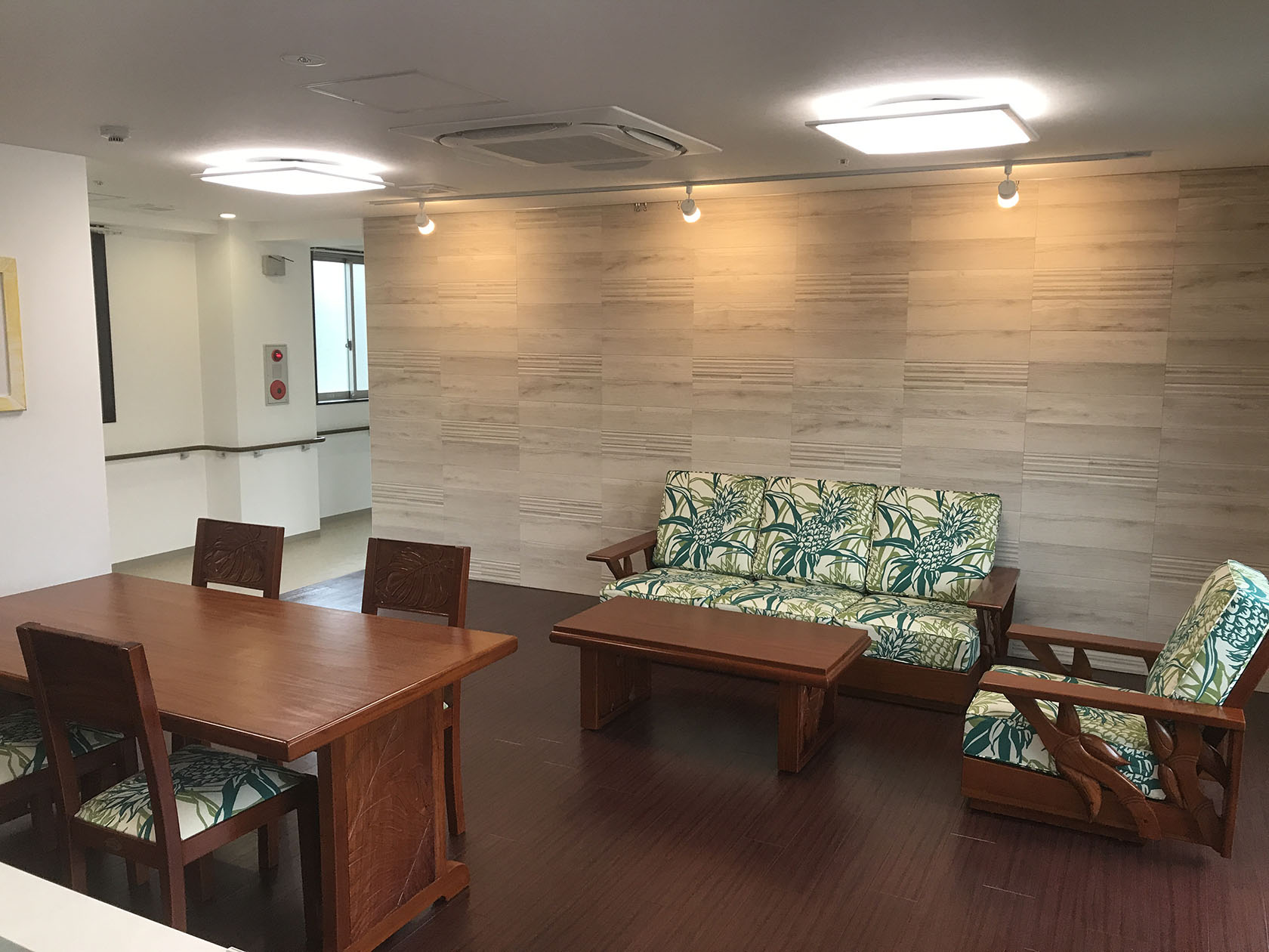 兵庫県西宮市マハロホーム様(家具)