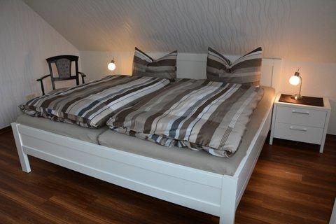 Entspannen Sie in einem der beiden Schlafzimmer