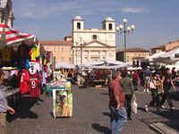 L'Aquila, Piazza Duomo - vor dem Erdbeben 2009