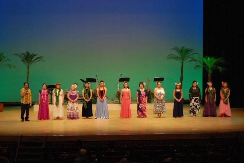 開演!&主催者の挨拶!協会代表黒沼さんと、各ハラウ代表者達。