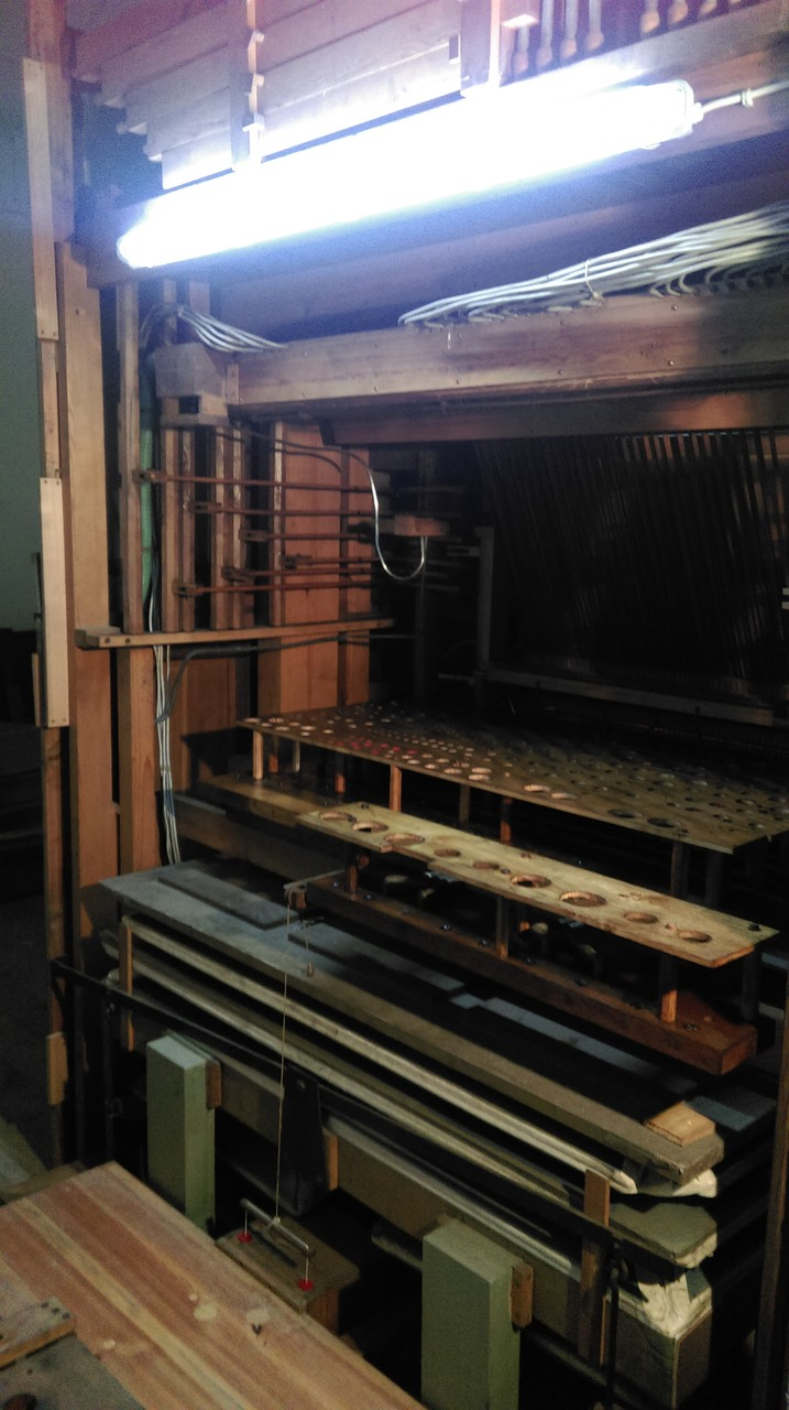 Reparatur der Orgel in Thurland