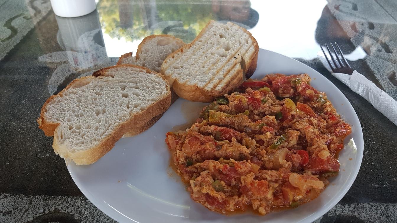 Een heerlijk Turks ontbijtje, het heet menemen