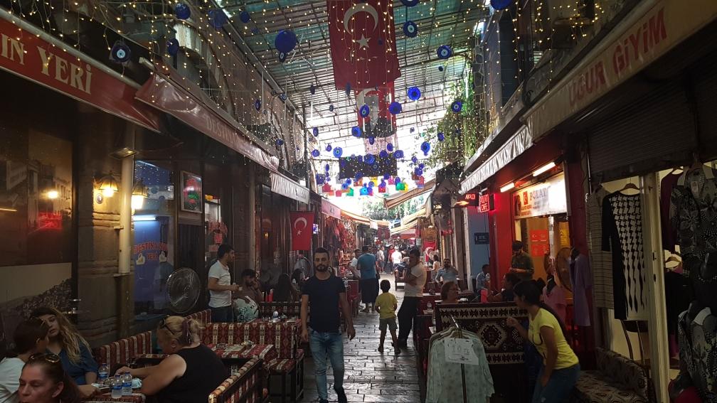 De markt in Izmir, louter troep!