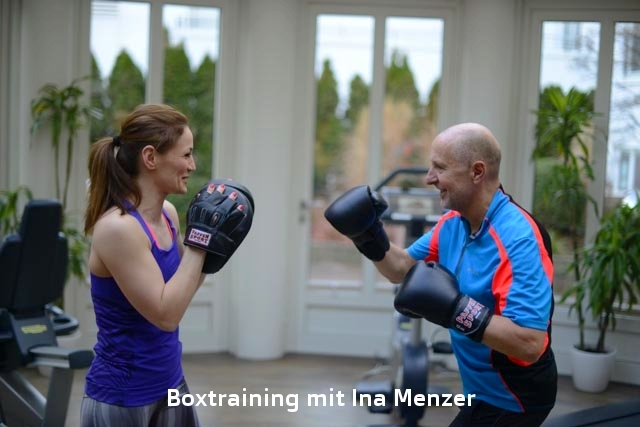 "Boxtraining mit Ina Menzer beim Workshop ""Body and Mind"""