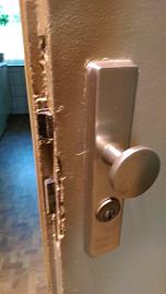 Schlüsseldienst Regel - Tür nach Einbruch