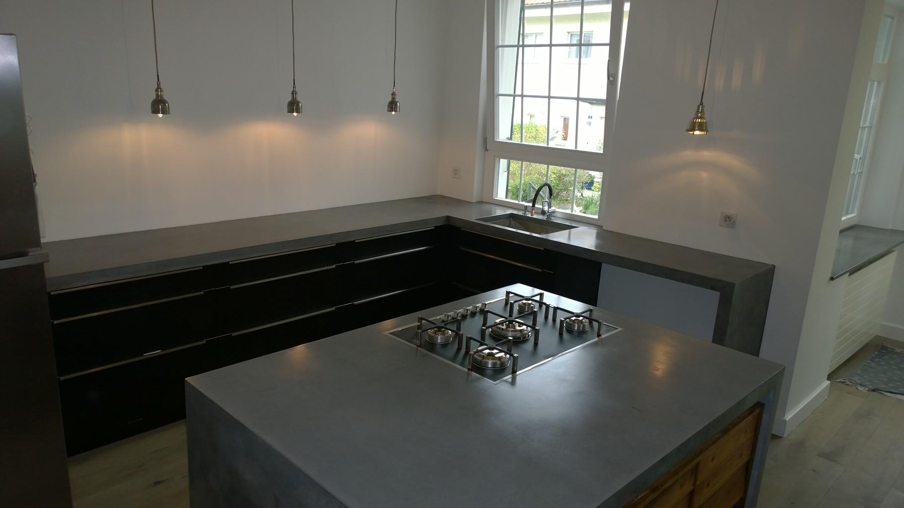 Beton Küche, Kochinsel aus Beton,