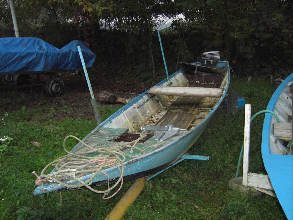 MESE DI NOVEMBRE 2010.....Questa volta è l'oggetto del mese, barca utilizzata da Mark, Nicholas e Paolo per  la pesca al Siluro. Che Paura