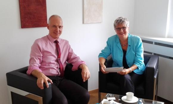 Prof. Dr. Georg Krausch und MdL Helga Lerch