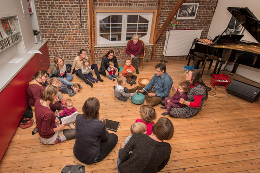 Atelier Ritournelle parents-bébés avec Geneviève FRASELLE et Martial HOST