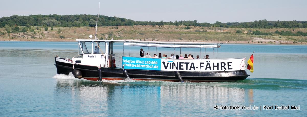 Mit der Vineta-Fähre zum schwimmenden Kunstprojekt
