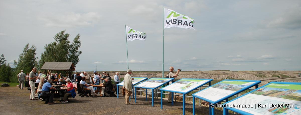 Innenkippen-Aussichtspunkt der Mibrag - Auf Phönix-Tour mit Rundum Leipzig - Mai-RegioTour