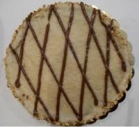 Torta Gaia preparata con farina di farro integrale, olio di girasole, malto, mandorle, cacao e alghe.