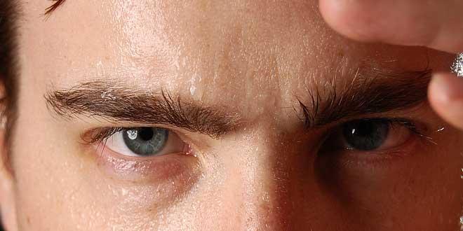 Sudoración excesiva, factor de riesgo para el buen funcionamiento de sus audífonos.