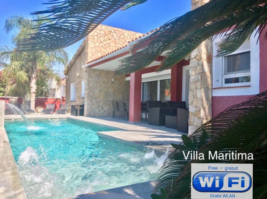 Villa with heated private pool in Empuriabrava - ©Copyright 2014 Solempuria