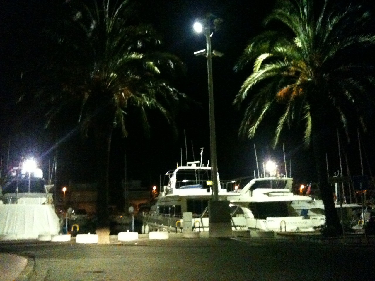 Marina Empuriabrava by night ©Copyright by Solempuria