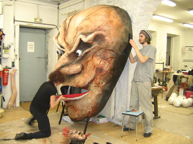 """""""L'histoire du soldat"""". Théâtre l'alchimiste Genève - réalisation décor,masque et marionnette"""