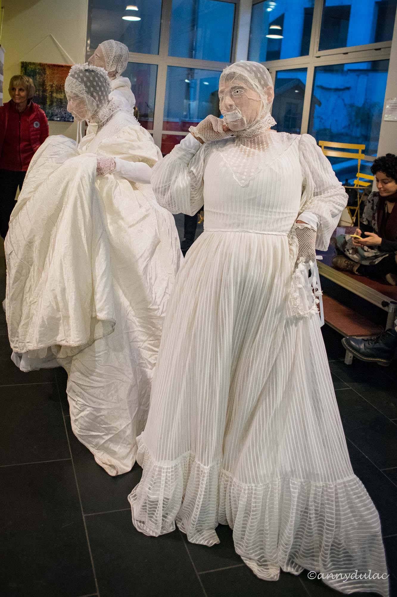 """costumes et masques pour la performance festival """"les souris dansent"""""""