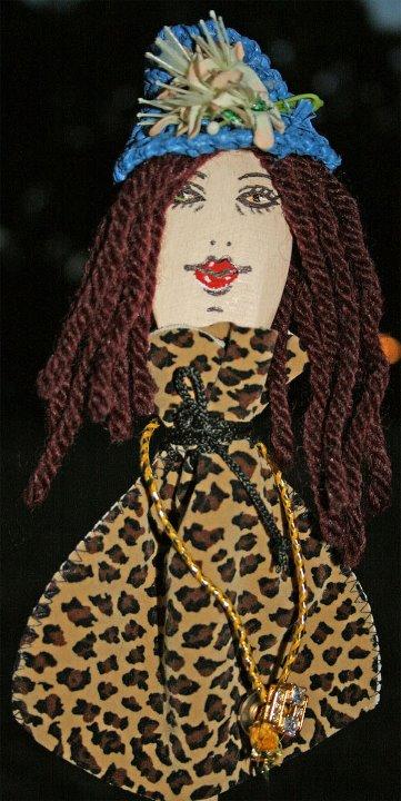 Mestolo in legno, con ritratto di Monica