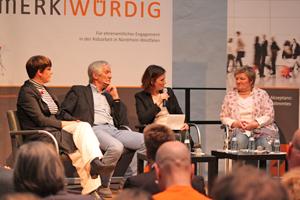 Bild: Podiumsgespräch beim Jahresempfang 2016 der Aidshilfe NRW