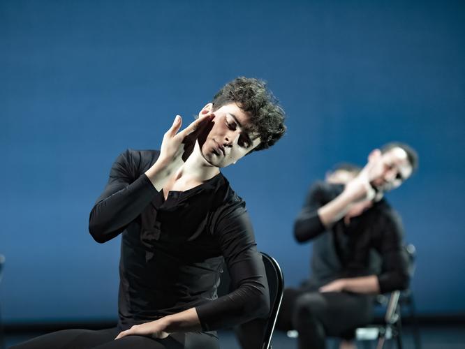 """Bild: Miquel Martínez Pedro und Philip Handschin in """"Come In"""""""