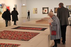 Bild: Gemälde und Teppiche aus der Henkel-Kunstsammlung