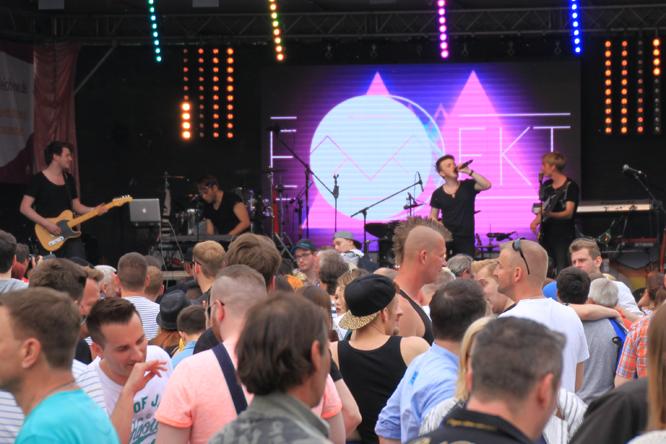 Bild: Show-Programm beim Düsseldorfer CSD-Fest