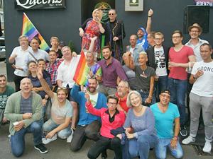 Bild: Feier auf der Charlottenstraße