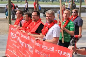 Bild: Schwusos beim Düsseldorfer CSD
