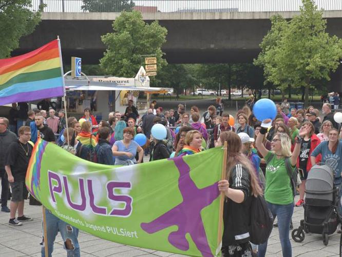 Bild: CSD-Gruppe vom PULS Jugendzentrum