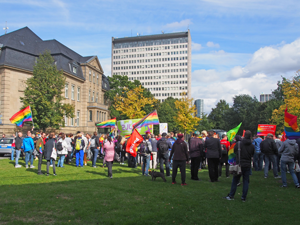 Bild: Demo auf dem Johannes-Rau-Platz