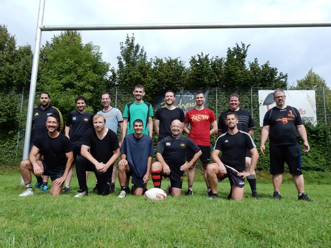 Bild: Mitglieder des VC Phönix Düsseldorf und des Düsseldorf Dragons Rugby Clubs