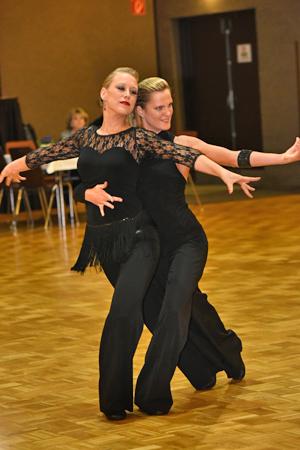 Bild: Tanzpaar Ute Graffenberger und Marina Hüls