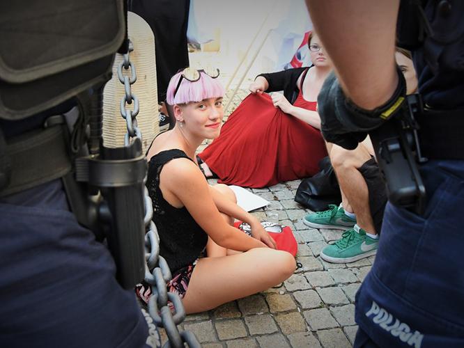 Bild: Małgorzata Mróz bei einer Demonstration