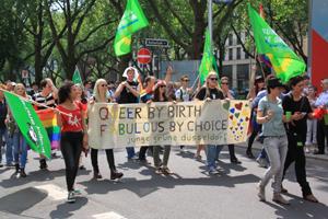 Bild: Junge Grüne beim Düsseldorfer CSD