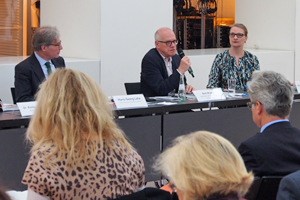 Bild: Pressekonferenz mit Hans-Georg Lohe, Beat Wismer und Claudia Blümle