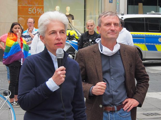 Bild: Marie-Agnes Strack-Zimmermann und OB Thomas Geisel