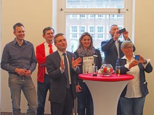 Bild: OB Geisel freut sich über die Grußworte des EGLSF-Vorstandes