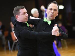 Bild: Männer-Tanzpaar beim Grand Prix 2017