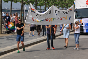 Bild: Proud to be Regenbogen-Family